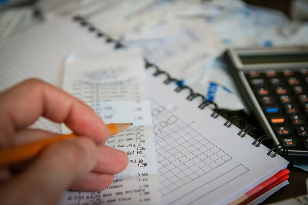 年収400万円の税金(所得税・住民税)はいくら?【会社員と個人事業主に分けて計算方法を解説】